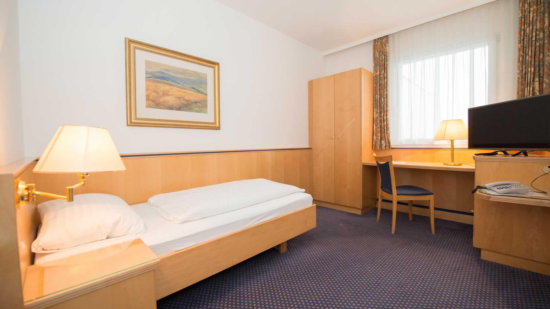 Einbettzimmer im Parkhotel Styria in Steyr