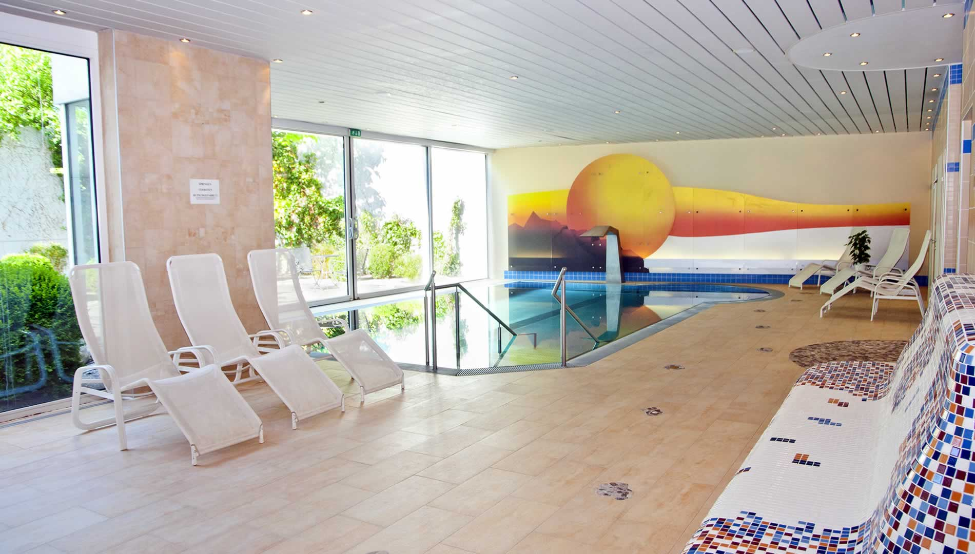 Schwimmbad im Parkhotel Styria in Steyr