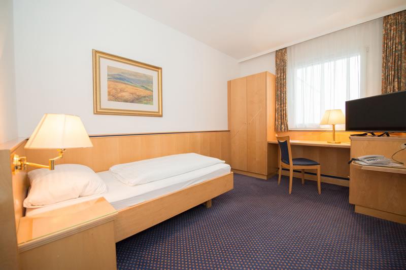 Hotelzimmer Einbett Parkhotel Styria Steyr